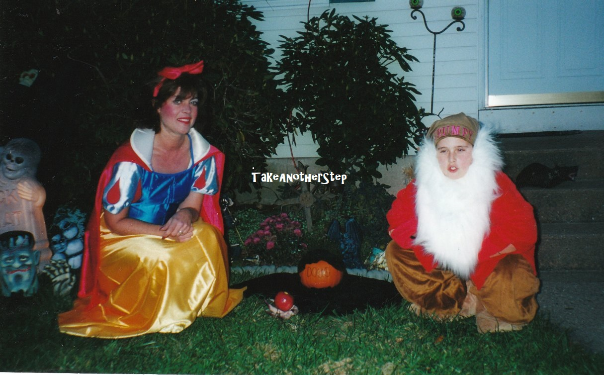 2000 halloween | taking it a step at a time